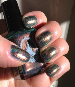 EP Holiday 2014 with Good Life brush-over and Julep Oxygen Performance Top Coat. Notice how the sunshine really brings out the holo.